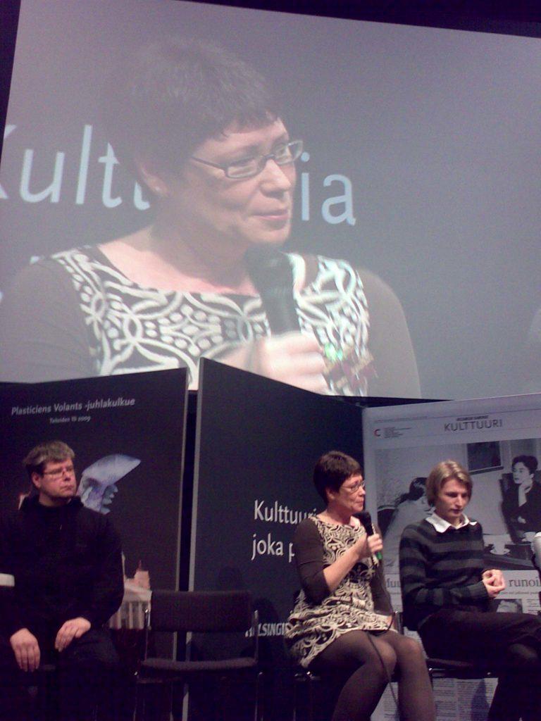 Helsingin Sanomien kirjallisuuspalkintoehdokkaiden julkistustilaisuus Helsingin kirjamessuilla lokakuussa 2009.